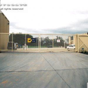 bi-parting industrial cantilever gates