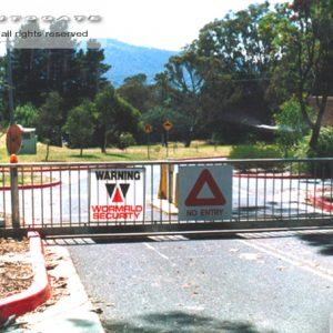 sliding commercail gate