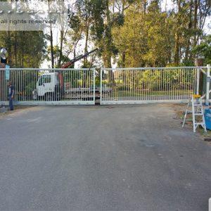 bi-parting cantilever gates