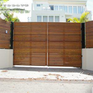 automatic cedar gates