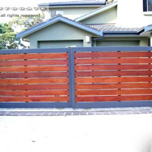 timber and steel telescopic gates